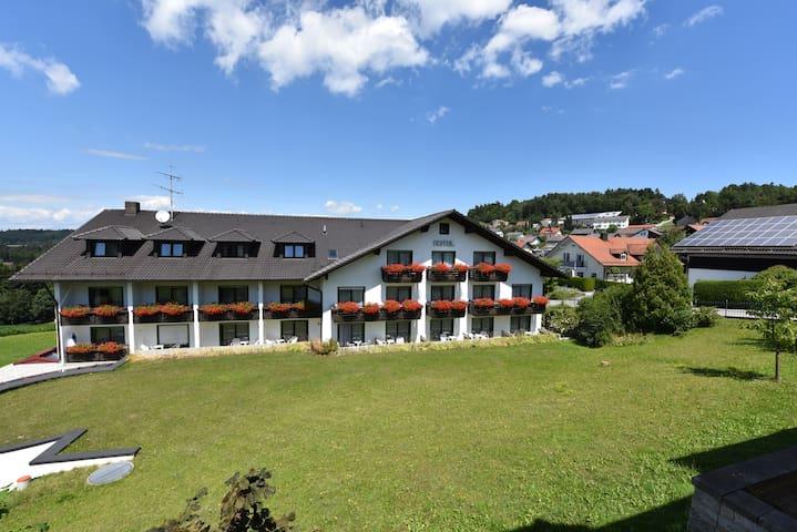 Urlaubshotel Binder - Büchlberg - Rumah