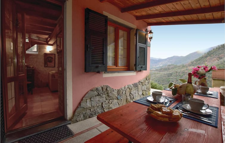 Holiday cottage with 2 bedrooms on 80m² in Legnaro (SP)