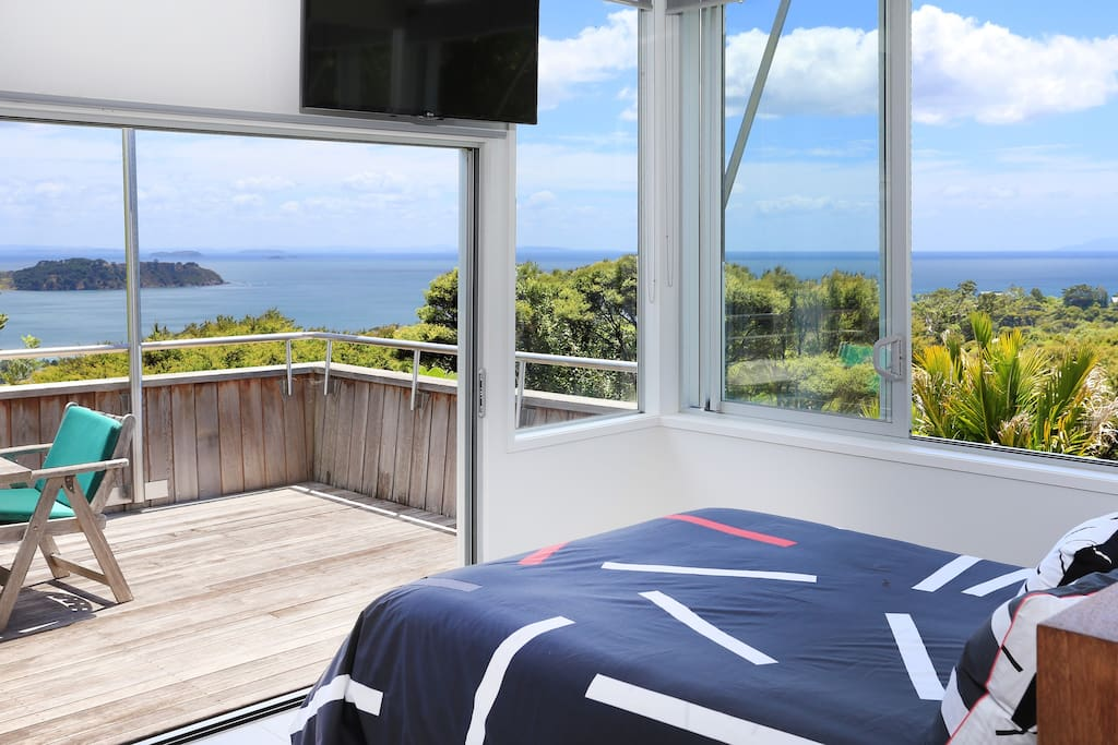 Fanastic seaviews from the comfort of your bed.