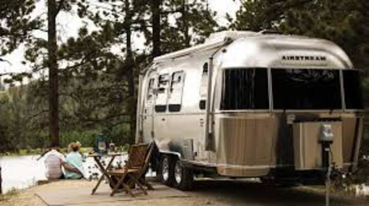 2017 New Airstream Classic Travel Trailer
