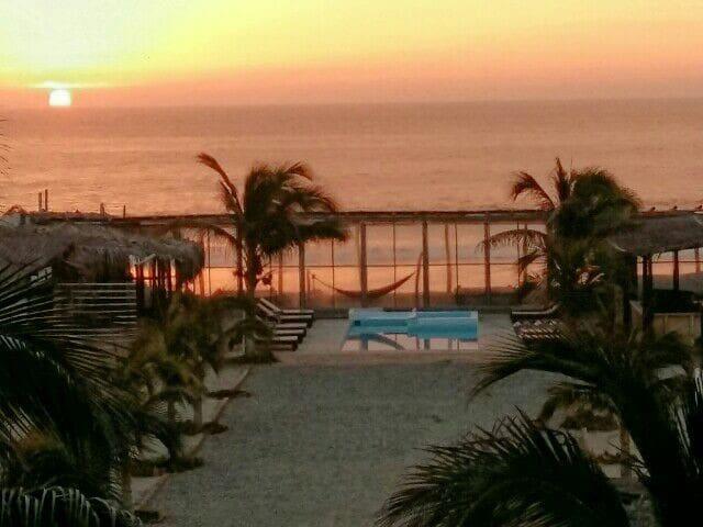 Envero lodge para 6 salida playa - Vichayito, Piura, PE - House