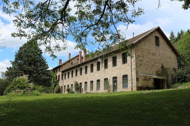 """Chambre d'hôtes """"Mûrier"""" au Domaine de Clarat"""