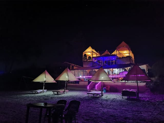 Mix dom with 10 beds, at arambol beach,  goa