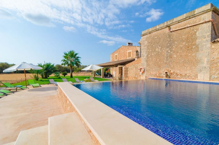 Can Maiol - House for families with private pool - Campos - Villa