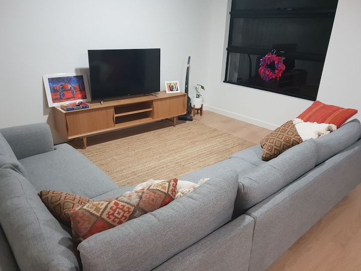 Brand new 2 bedroom unit, 5Km to Adelaide CBD