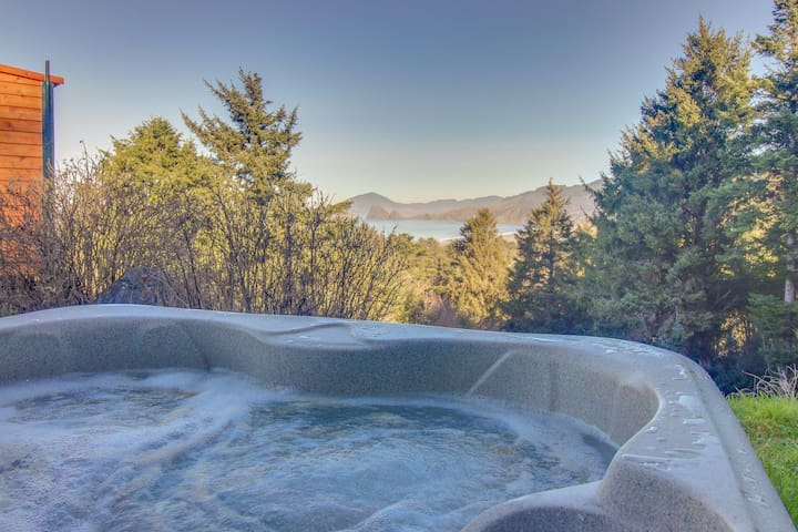 Stone craftsman-style house w/ partial ocean view & hot tub -2 dogs ok!