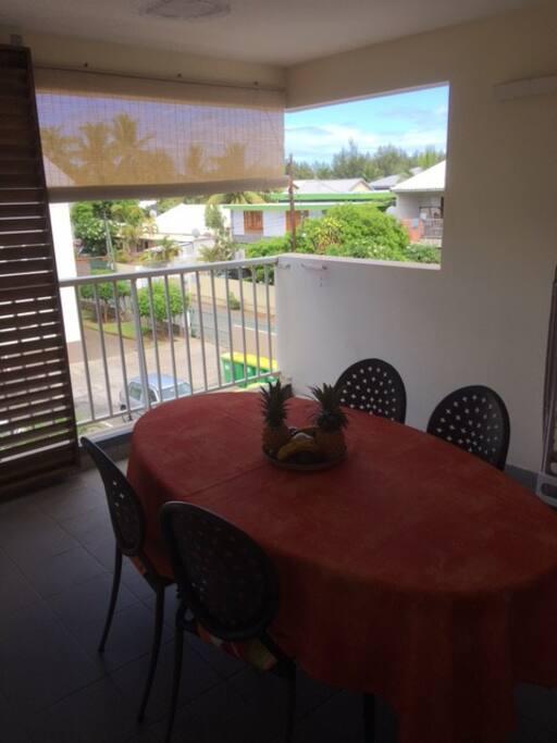 varangue vue du salon exposition Ouest meilleure exposition à la Réunion