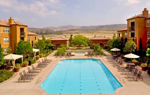 Mountain View, Amazing Location, In-House WiFi!!