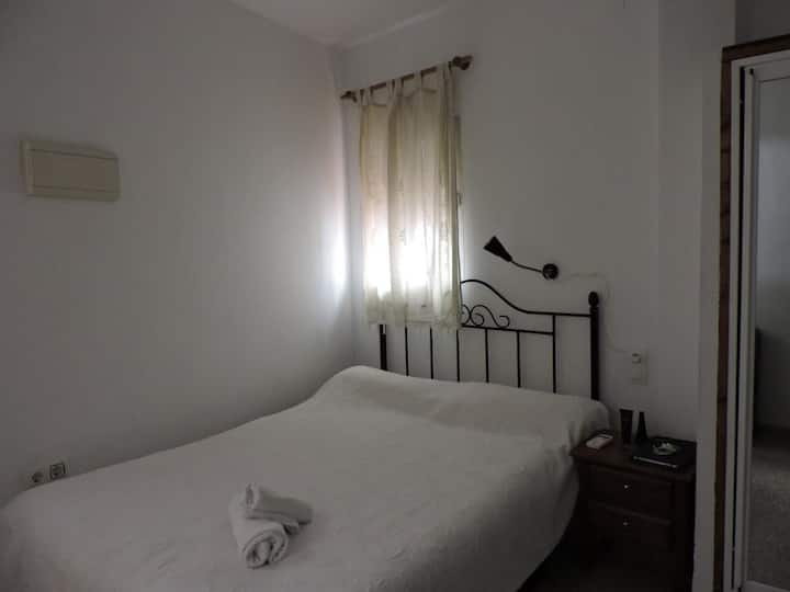 Hospedaje Lisboa Algeciras P/CA/00214 & A/CA/00232 - Studio Doble twin cocina .. Baño privado - minimun stay 4 noches