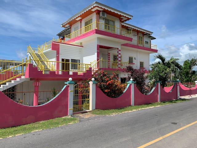 Pink House3号房间