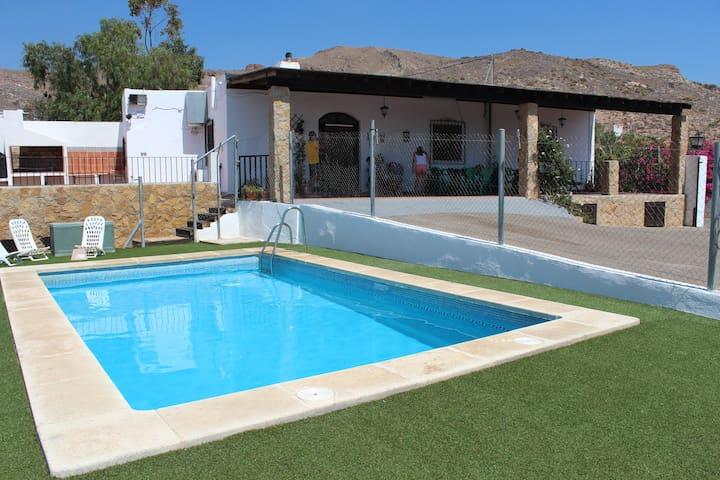 El Puntal - Níjar - House