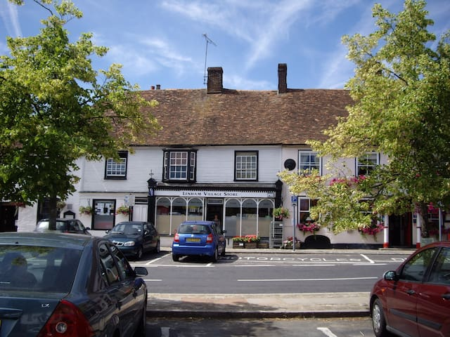 Period Cottage in Historic Square - Lenham - Casa