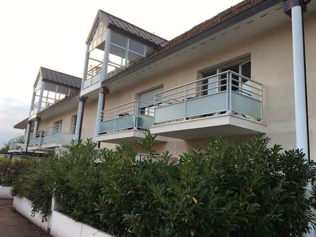 Appartement dans résidence calme - Sauverny