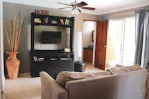 Living room (with smart TV - enjoy your netflix account etc)