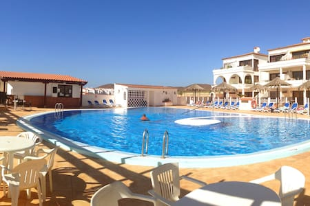 Apartment overlooking golf course, lovely pool - Santa Cruz de Tenerife
