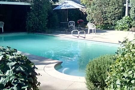 The Villa Palette - Oakdale - Dom