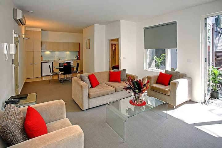 One Bedroom Apartment with private Courtyard