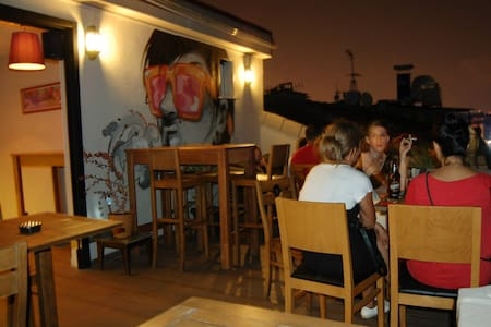 Private Double at Hush Hostel Moda - Kadıköy