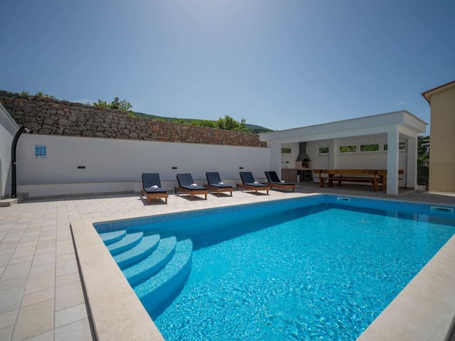 Holiday Apartment Josipa for 4 persons