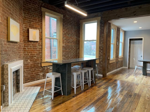 Renovated Chic Sunny House- Oakland -8 Bed/4 Baths