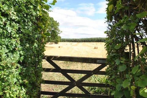 Entire Barn and Shepherds Hut, Blackberry . Ludlow
