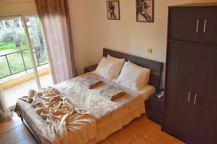 Raise cosy studio with pool in Limassol