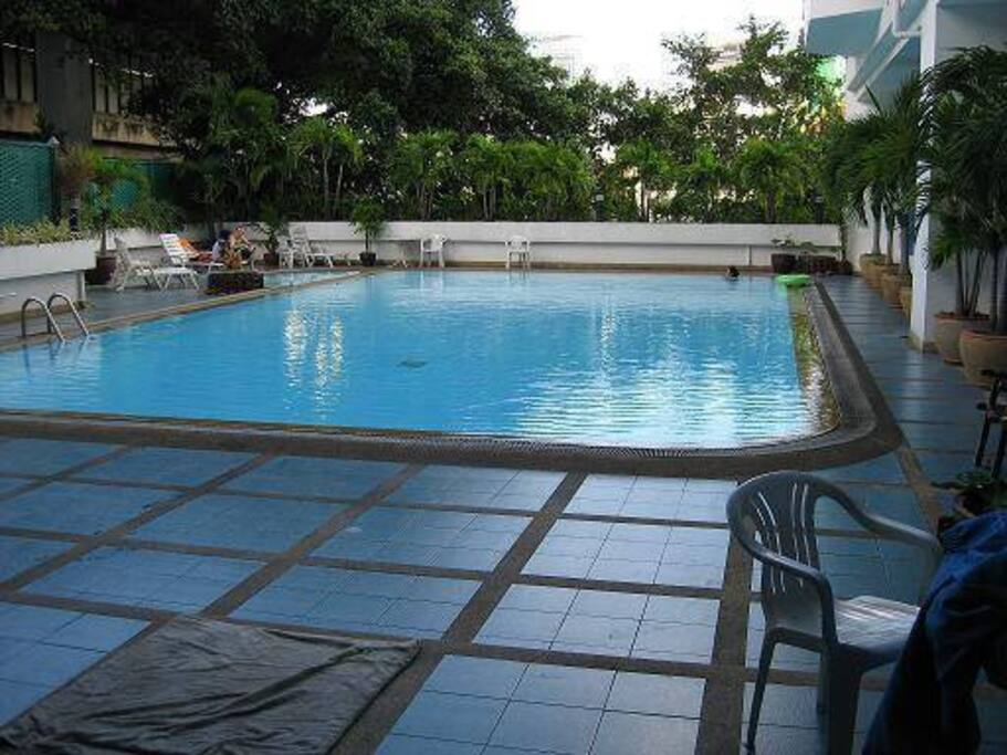 large pool (open 6am  close 10pm)