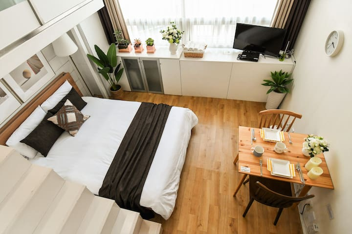 [Myeong-dong] Wood House (new open discount)