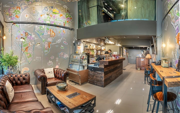 Sloth Hostel Don Mueang - 12 Bed Dormitory