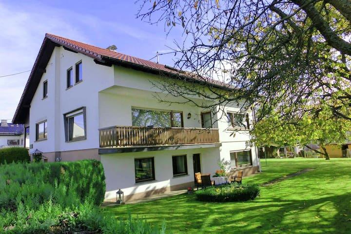 L'appartamento di Leuk a Winnen ha incontrato un terras