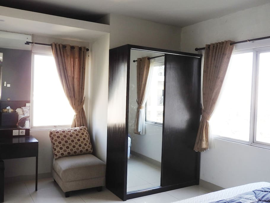 Airy master Bed Room with 2 windows
