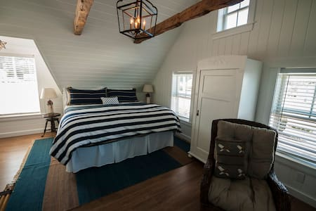 Romantic Spa Retreat in SW Nova Scotia