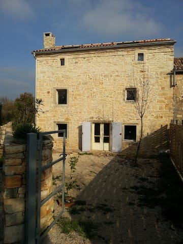Old country house in stone completely restored - Vodnjan - House