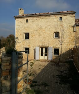 Old country house in stone completely restored - Vodnjan
