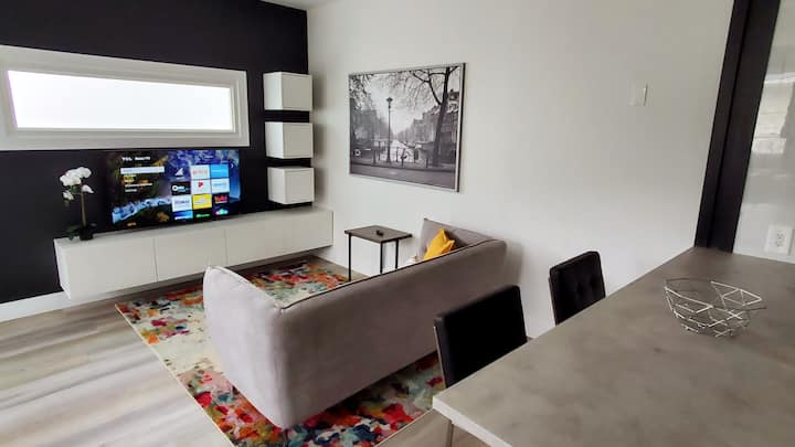 *NEW* The Luxe Studio - Modern, High Ceilings