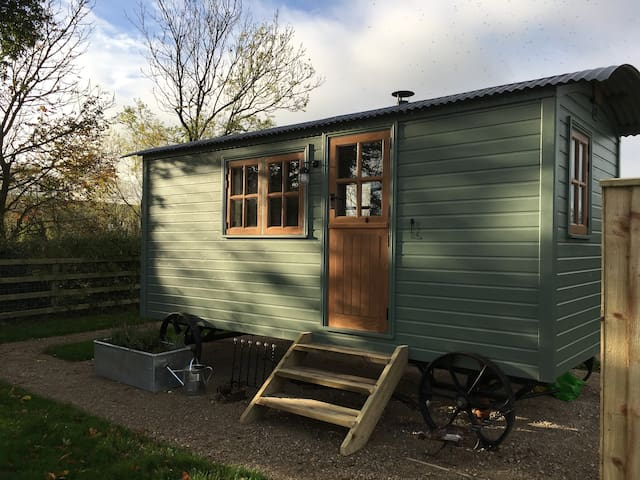 Morndyke Shepherds' Huts - luxury glamping