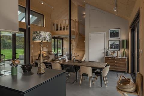 Fantasticky udržateľný rodinný dom na sídlisku.