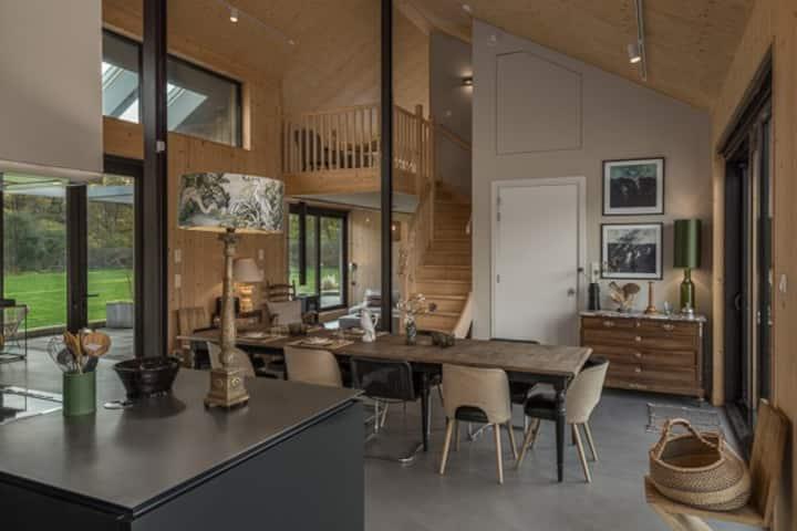 Fantastisch duurzaam familiehuis op landgoed.