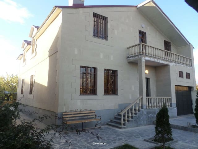 5 bedroom house in Nor Achin 20 km from Yerevan