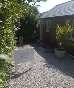 Holiday home close to Hayle Harbour and beach.