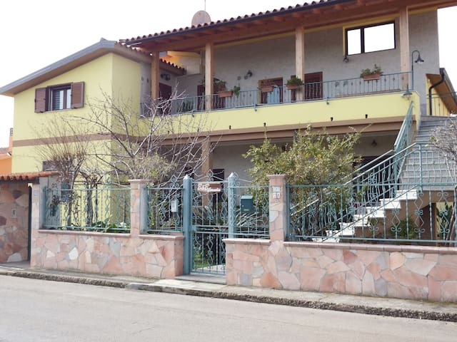 Appartamento in zona tranquilla - Villa San Pietro - Apartamento