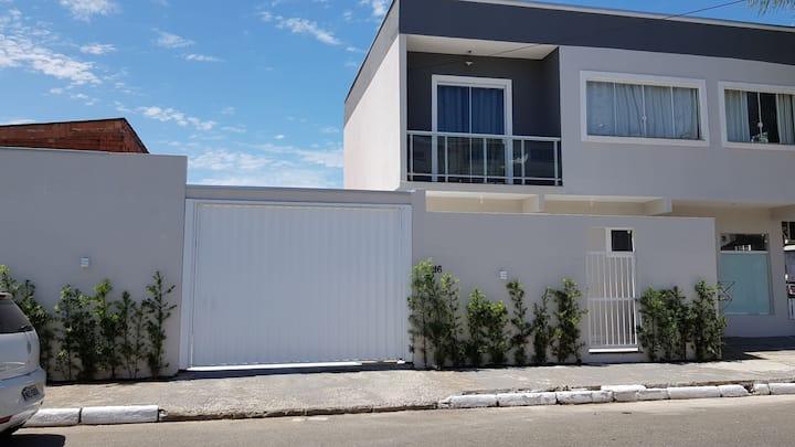 Casa inteira em Balneário Camboriú.