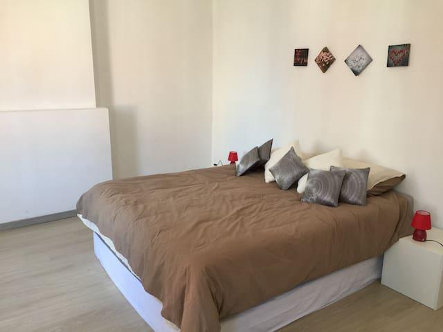 Belle chambre privée avec tout le confort. - Liège