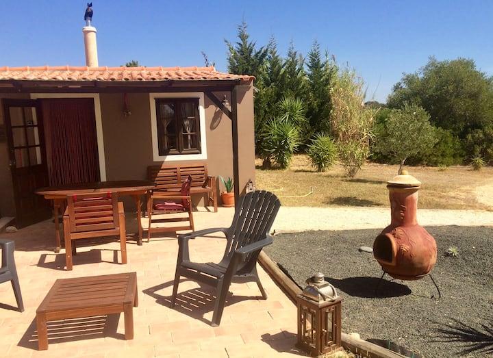 Romantic rustic cottage near Praia da Luz