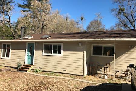 Casa Wallwork - Scotts Valley