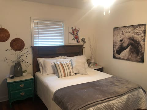 Coastal Guest Suite, Mins Away from beach & d'town