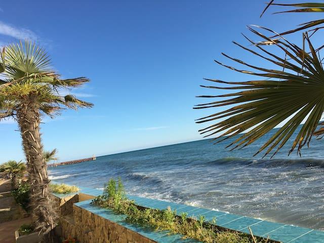 Эконом-апартаменты в пешей доступности от моря