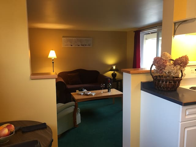 Sweet suite near the heart of Kaslo