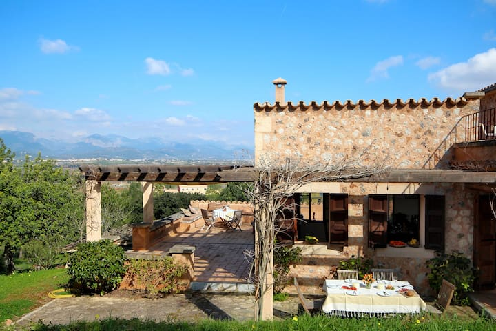 Holiday Country house Mallorca sleeps 6 - Santa Eugènia - Hus