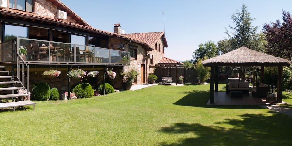 SAIKA Rural -Duplex para 4/5 pax -Sierra de Madrid